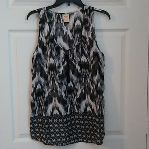 Faded Glory Sleeveless Top, Size L